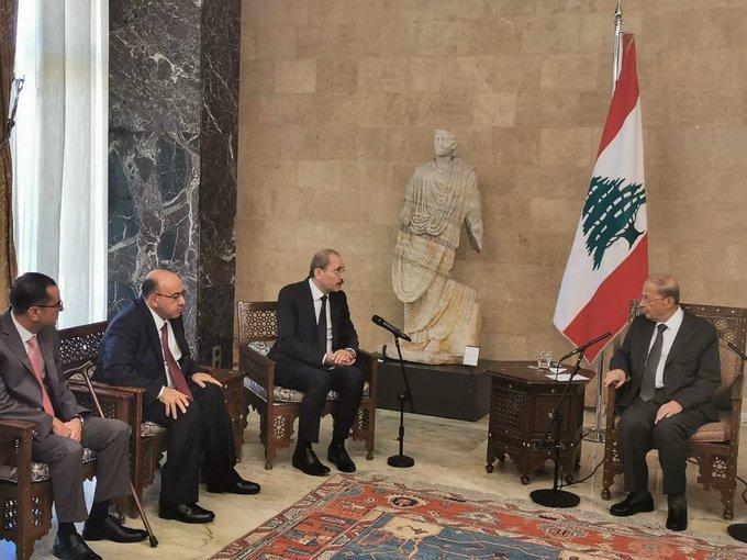 الرئيس اللبناني العماد ميشيل عون يستقبل وزير الخارجية أيمن الصفدي في بيروت. (وزارة الخارجية)
