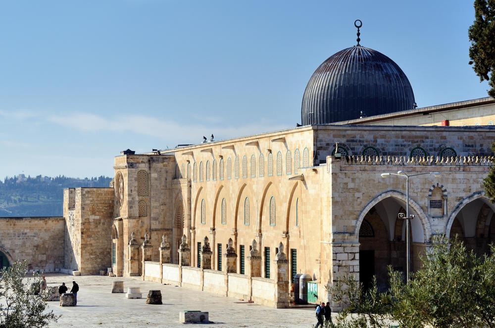 اعادة فتح أبواب المسجد الأقصى بعد اغلاقها