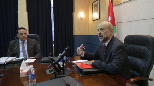 الرزاز: وحدات الرقابة الداخليّة تمنع أي تجاوزات في الوزارات والمؤسّسات