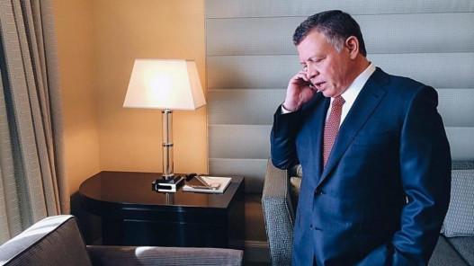 الملك وولي عهد أبوظبي يبحثان هاتفيا العلاقات الثنائية