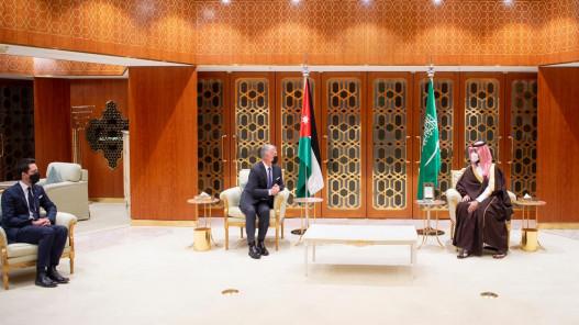 الملك يلتقي ولي العهد السعودي في الرياض