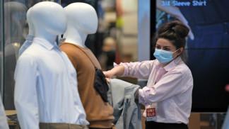 بريطانيا تعتزم التوصية بوضع الكمامات في الأماكن العامة