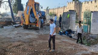 الاحتلال الإسرائيلي يجدد أعمال التجريف في جزء من المقبرة اليوسفية