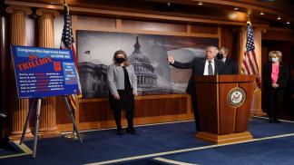 مجلس الشيوخ الأميركي يقر خطة بايدن للإغاثة من كوفيد-19 ويحيلها لمجلس النواب