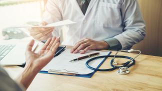 حصر استقبال المرضى في العيادات الحكومية بالذين يعانون من أمراض مزمنة لكتابة وصفات الأدوية