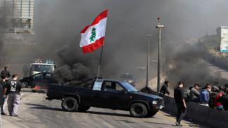 قائد الجيش اللبناني يوبخ السياسيين بعد دعوة الرئيس لفتح الطرق