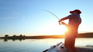 السماح بالصيد في العقبة بالمناطق العميقة والابتعاد عن الشواطئ