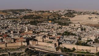 إصابة فلسطيني إثر طعنه من قبل مستوطن في القدس المحتلة